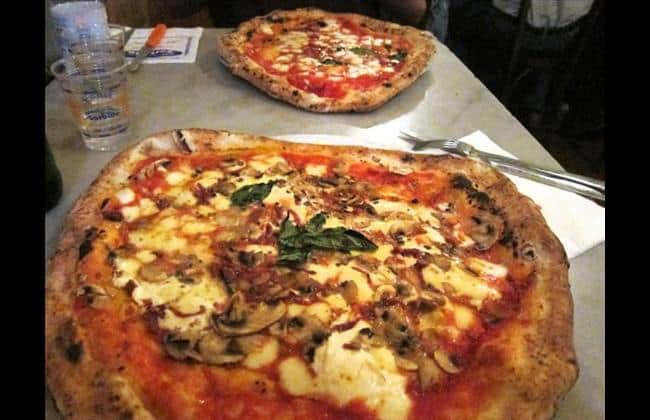 great Italian pizza naples