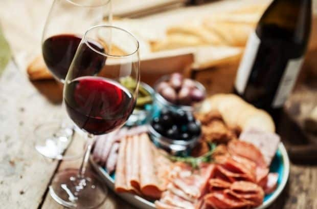 Falling for You: Fall Date Night Ideas for Wine-Lovers