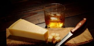 What To Know About Pairing Liquor With Cheese