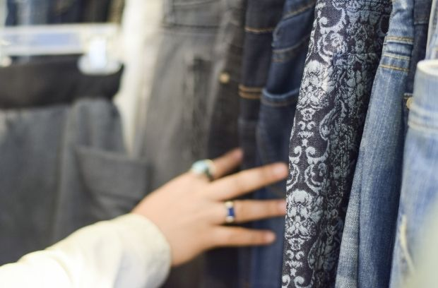 How To Become a Pro Thrift Shopper