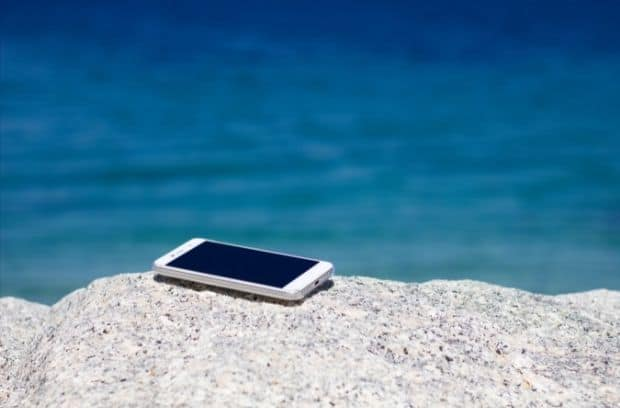 How To Protect Your Smartphone on the Beach